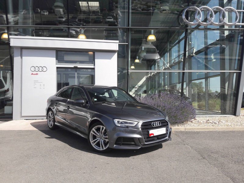 AUDI A3 BERLINE à Paris